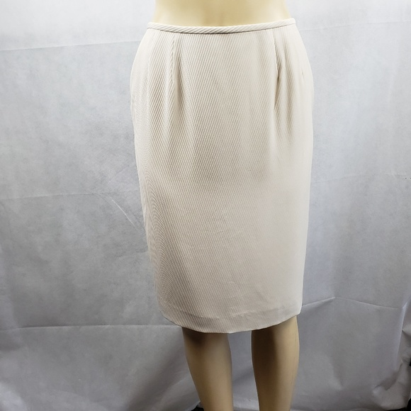 47d25839e7 Kasper Skirts | Cream Knee Length Pencil Skirt Size 6p | Poshmark